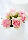 A posy of pink roses (table decoration)