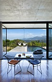 View onto terrace and swimming pool (Villa Nalu, Southern France)