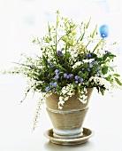Frühlingsstrauss mit Vergissmeinnicht, Spireen & Maiglöckchen