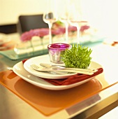 Gedeck mit Teelicht & Chrysantheme (Sorte: Anastasia Green)