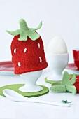 Eierwärmer in Erdbeerform
