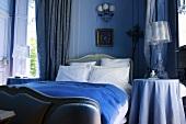 Bedroom in Château de la Verrerie (France)