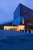 Weincenter der Weinkellerei Kaltern (Südtirol, Italien)
