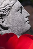 Skulptur als Gartendeko