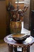 Afrikanisches Kleinmöbel und Kunsthandwerk