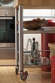 Küchenrollwagen mit Edelstahlgestell