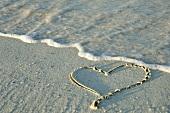 Herz im Sand am Meer