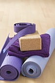 Equipment for meditation: yoga mat, belt, yoga block