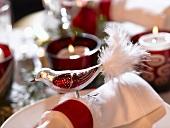 Napkin ring with bird (Christmas)