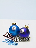 Christmas baubles with numbers and tree ornaments (words)
