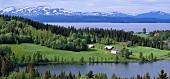 Landhäuser am See in Schweden