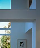 Flurbereich mit Fenstern & Deckenbalken