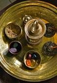 Utensilien für Ayurveda-Behandlungen