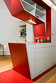 Sculptural kitchen counter in small apartment