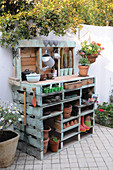 DIY potting table made from wooden pallets