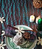 Weihnachtsgedeck in Türkis und Weiss