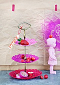 Cake stand made from stiffened doilies