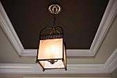 Detail cube pendant light
