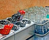 Besteck und Gläser in einem Restaurant