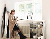 Designerin im Büro