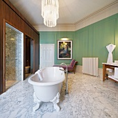 Luxurious bathroom in St. Pancras Hotel, London