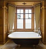 Bathroom in Wood Norton Hotel, Evesham, England