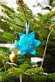 Felt star on Christmas tree