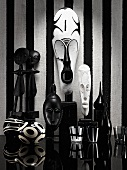 Black and white - African masks, wooden figures and decorative objects