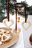 Rosehip hearts as Christmas tree decorations