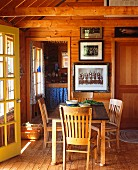 Country cabin dining room