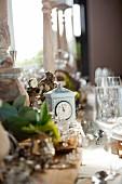 Table clock on set table