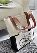 Linen shopping bag with iron-on transfer of bicycle motif