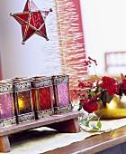 Weihnachtliche Dekoration mit Mini-Laternen & Glasstern-Laterne