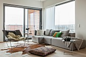 Urban living room in shades of grey