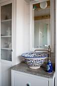 Vintage-style bathroom with ceramic sink