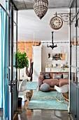 Wohnzimmer im Loft zwischen Industriestil, Vintage und Moderne