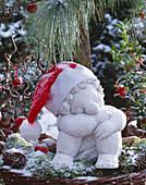 Cement figure 'Wichtie Kathie' in the snow