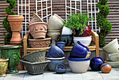 Frost-proof pots, from Lks, franz. glazed clay pots