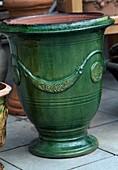 Glazed french pot