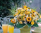 Summer bouquet, Rudbeckia (sun hat), Argyranthemum