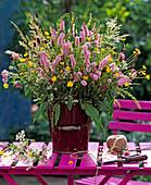 Polygonum (knotweed), Trifolium (clover)