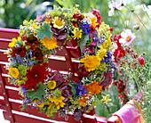 Calendula Marigolds, Dahlia Dahlias, Alchemilla Lady's Mantle