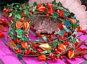 Wreath out of hedera (ivy), physalis (lantern flower)