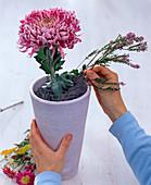 Autumn bouquet with plug-in aid chicken wire