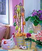 Easter: Salix caprea 'Pendula', Primula obconica