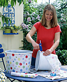 Spice up white tubs with oilcloth
