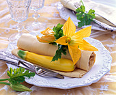 Napkin decoration with vegetables
