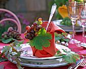 Autumn, table decoration, napkin decoration, grapes