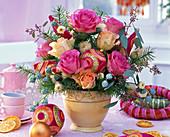 Bouquet of rose 'Sweet Unique' 'Talea', Eucalyptus, Pseudotsuga