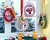 Wrap straw casings with ribbons